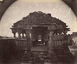 Front view of the Small Sasbahu Temple, Gwalior